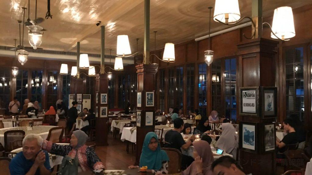 2階のレストランの写真