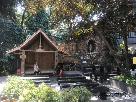 カテドラルの庭の写真