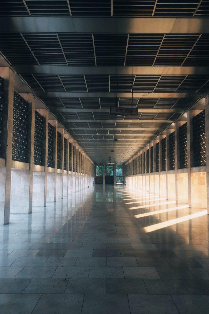 イスティクラルの廊下